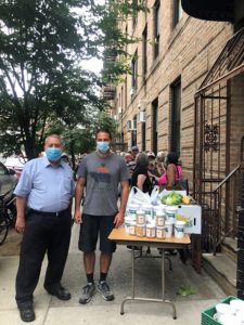 Zach Fox Hill delivering food to the Bronx